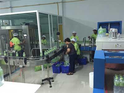 รูปผลงานเครื่องบรรจุน้ำดื่ม ที่ บ่อวินจังหวัดชลบุรี